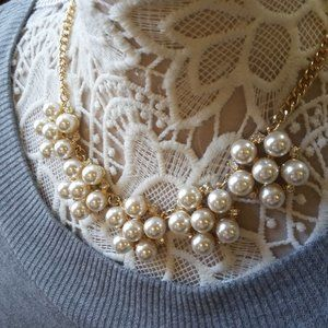NWOT! PRETTY Faux PEARLS With RHINESTONES Necklace